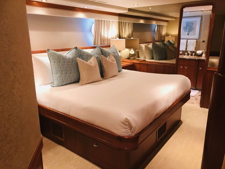 Relentless 130 Yacht Charter - King Guest- Starboard side