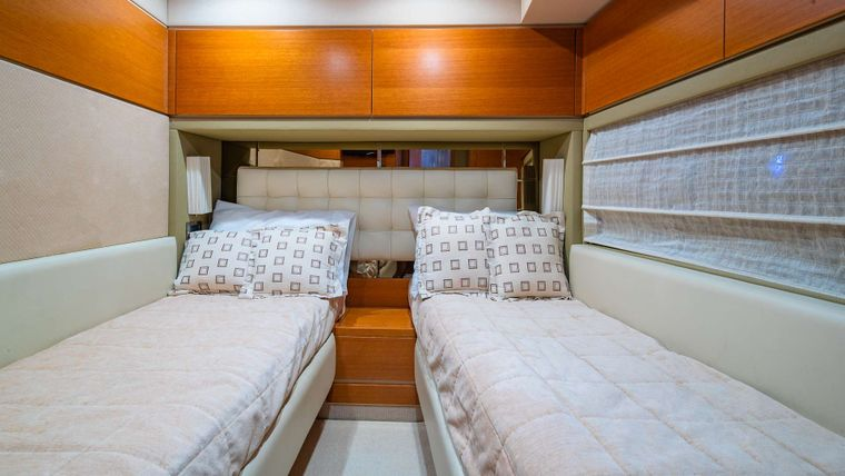 WICKED Yacht Charter - Guest twin two