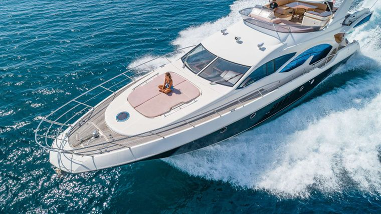 WICKED Yacht Charter - Bunny pad front deck view