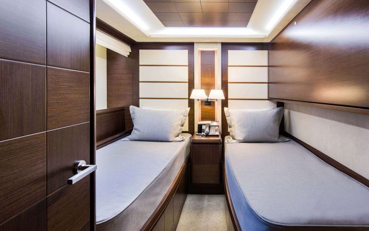 AMANECER Yacht Charter - Twin Guest Stateroom with Pullman