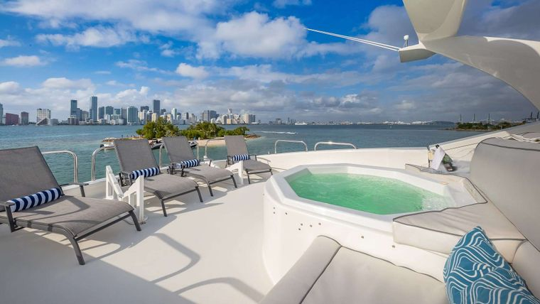 IV TRANQUILITY Yacht Charter - Jacuzzi