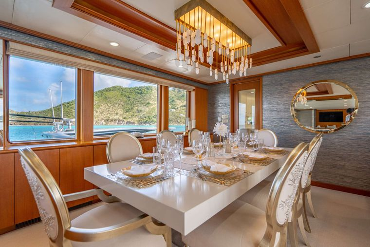 CRESCENDO IV Yacht Charter - Formal Dining