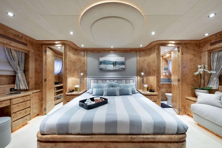 ANDILIS Yacht Charter - Master Stateroom