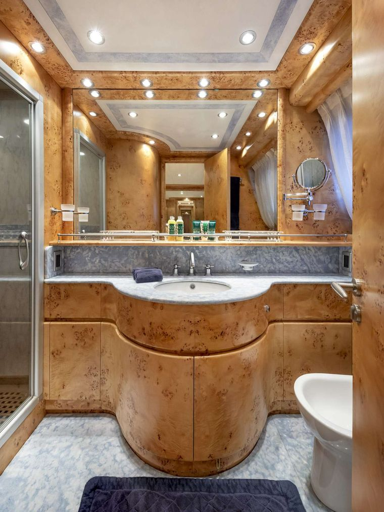 ANDILIS Yacht Charter - Master Ensuite