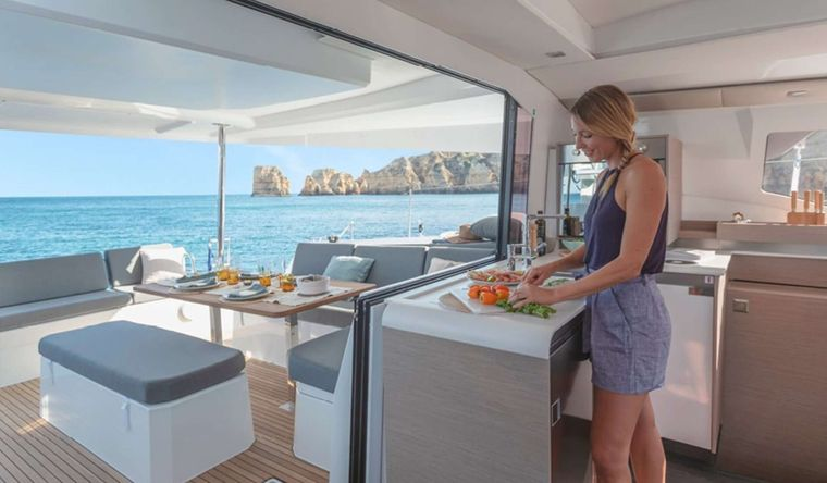Ruckus Yacht Charter - Cockpit Dining area