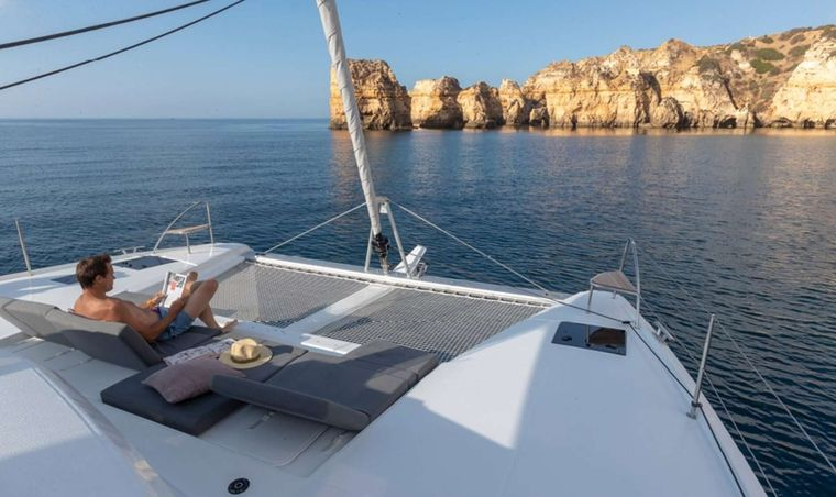 Ruckus Yacht Charter - Foredeck lounge area