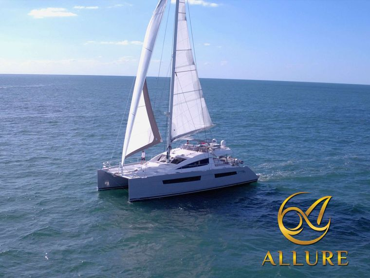 ALLURE 64 Yacht Charter - Enjoy the Beachclub
