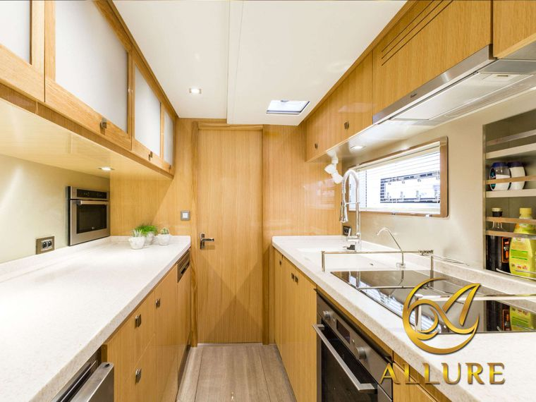 ALLURE 64 Yacht Charter - Guest Cabin