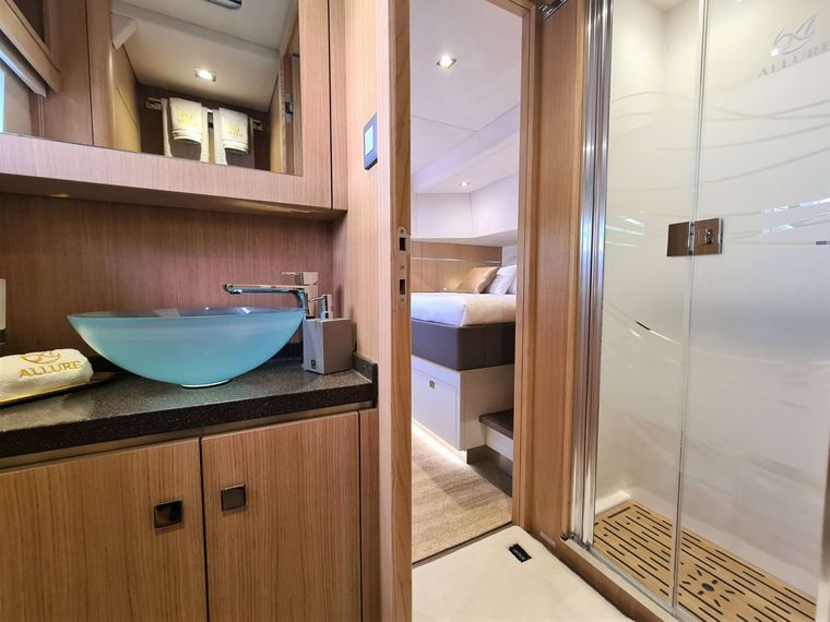 ALLURE 64 Yacht Charter - Guest Bathroom