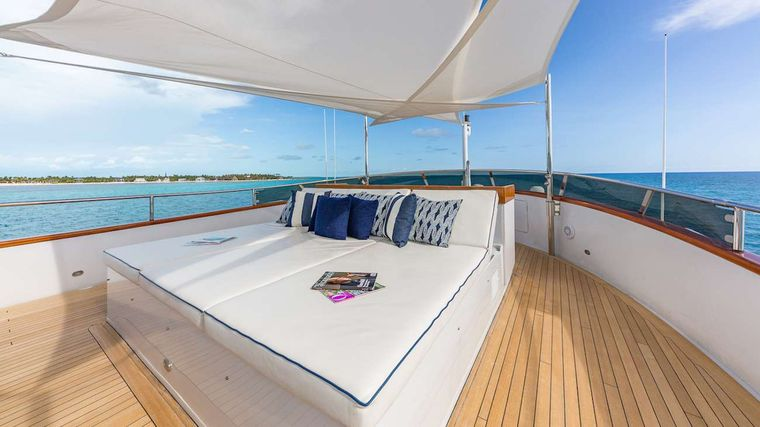 LADY S Yacht Charter - Bridge Deck Aft Fully enclosed with A/C