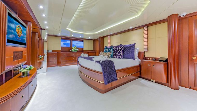 LADY S Yacht Charter - Master Suite