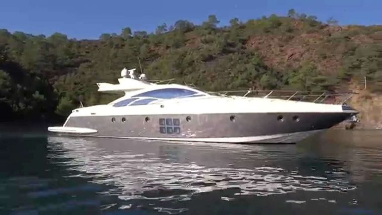 M Yacht Charter - Ritzy Charters