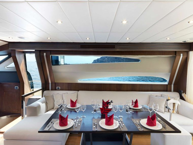 RUBY Yacht Charter - Interior dining