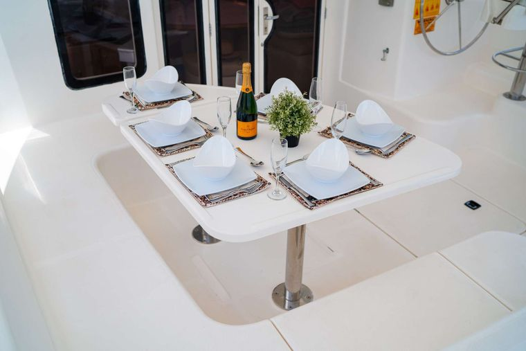OUTBACK Yacht Charter - Cockpit Dining