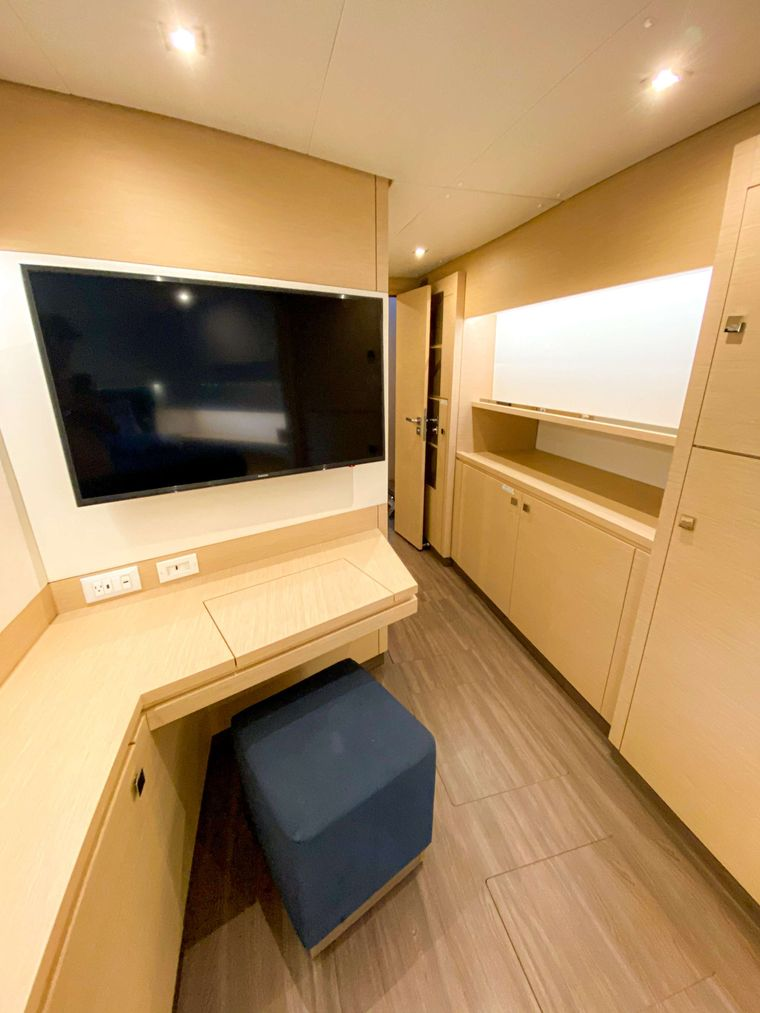 Sol Mates Yacht Charter - Maser cabin suite