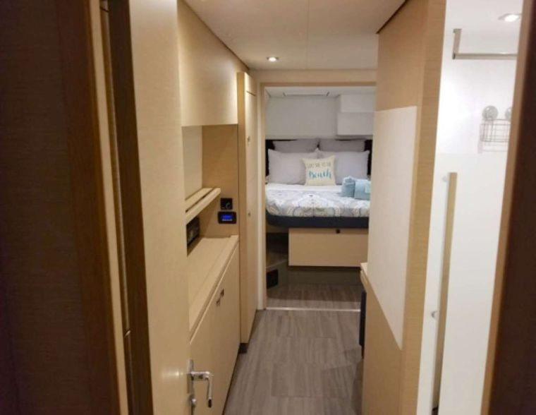 Sol Mates Yacht Charter - Master cabin suite