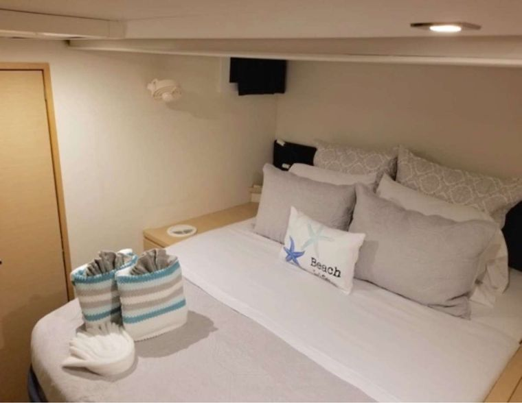 Sol Mates Yacht Charter - Guest Cabin