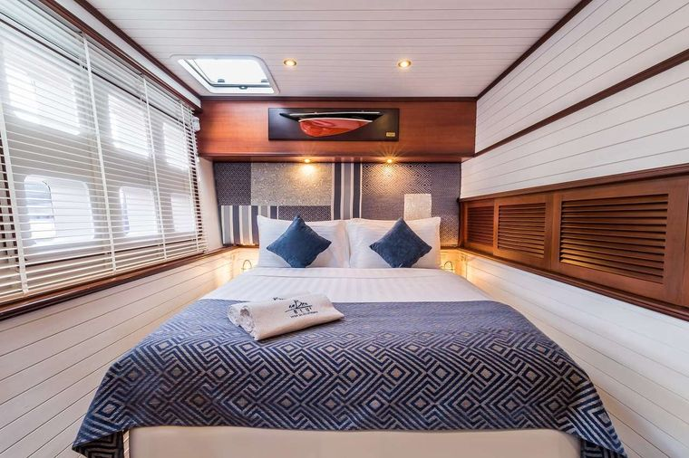 OMBRE BLU3 Yacht Charter - Master cabin - Starboard