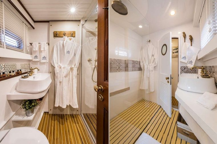 OMBRE BLU3 Yacht Charter - Guest bathrooms
