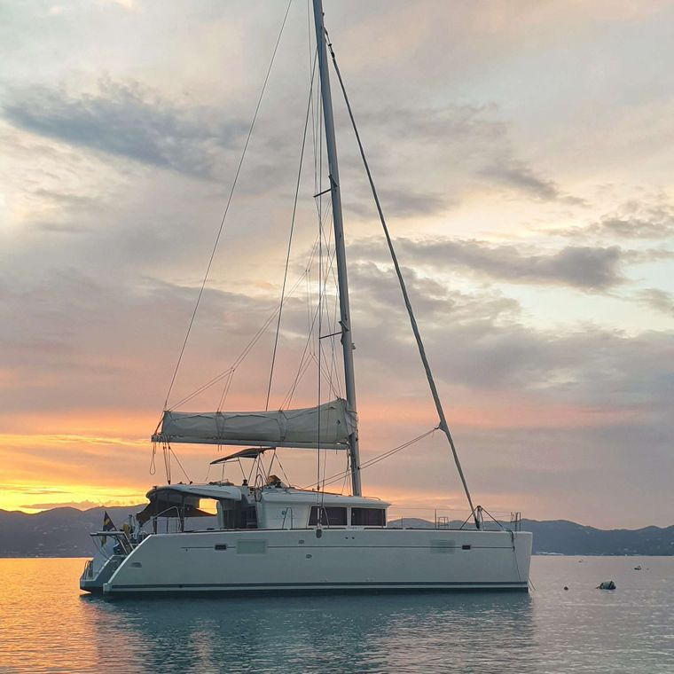 MISS SUMMER Yacht Charter - Sunset anchorage