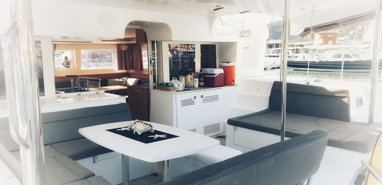 MISS SUMMER Yacht Charter - The cockpit and alfresco dining area