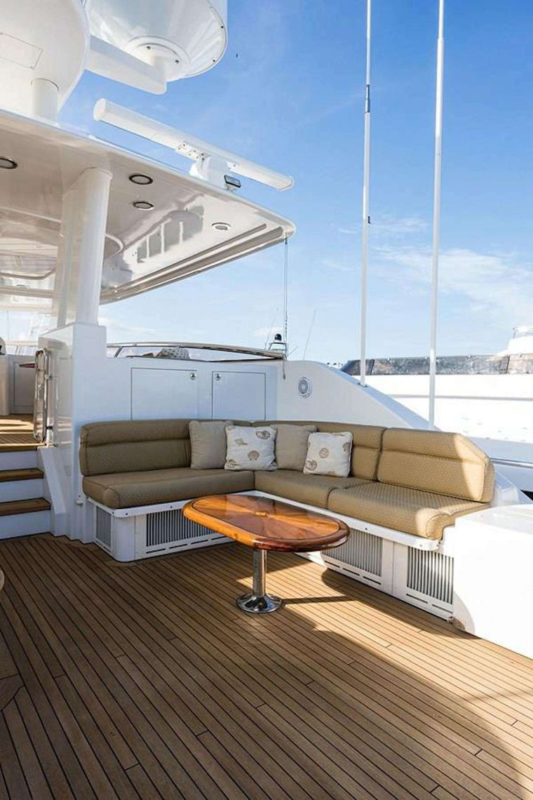 NOW OR NEVER Yacht Charter - Flybridge Seating