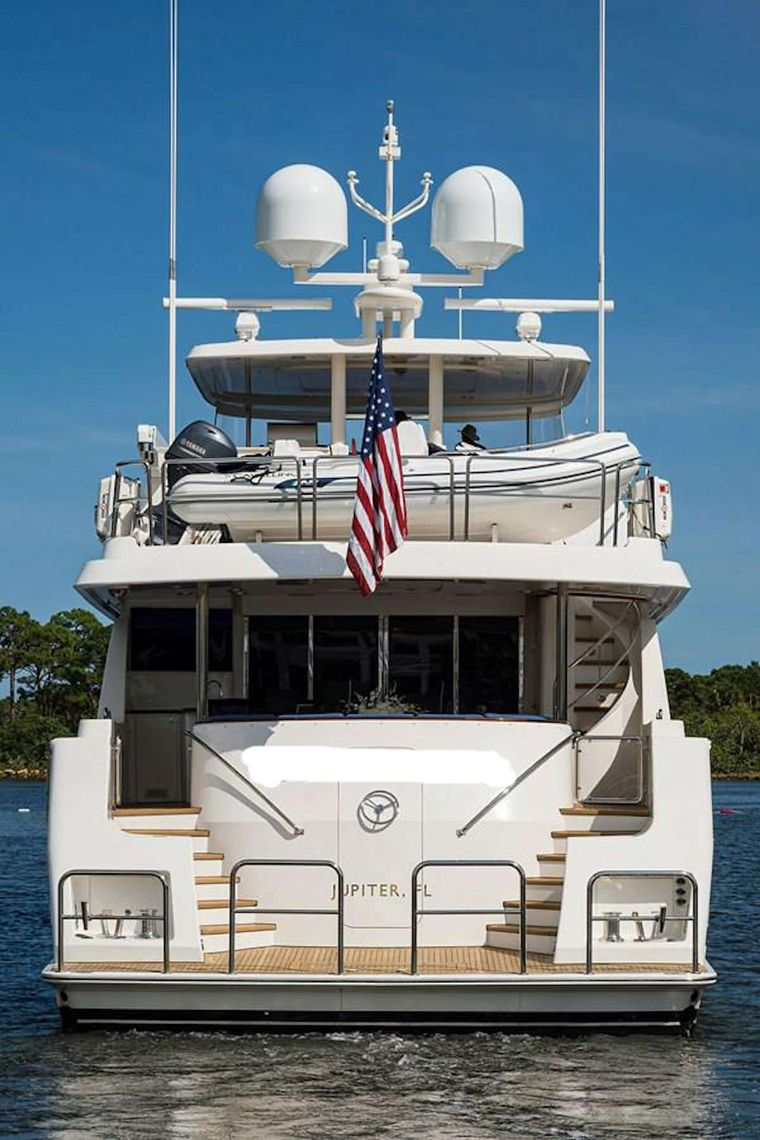 NOW OR NEVER Yacht Charter - Stern