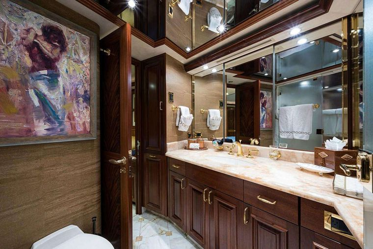 NOW OR NEVER Yacht Charter - Master Bathroom