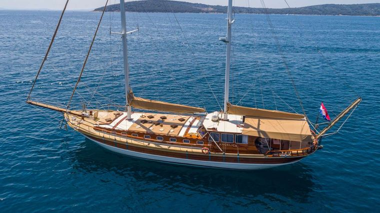 Angelica Yacht Charter - Ritzy Charters