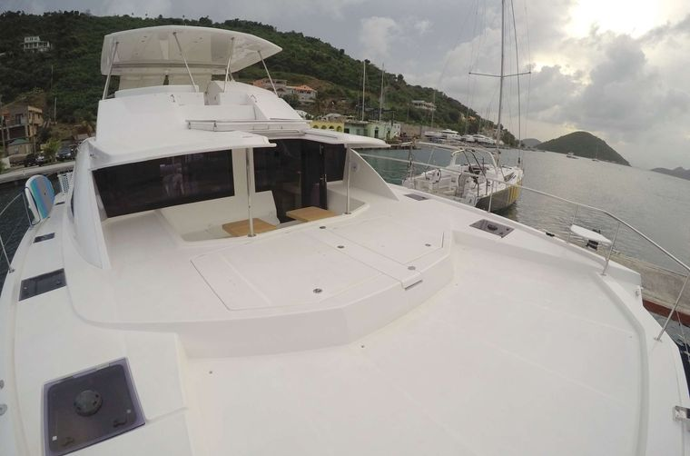 SOMEWHERE HOT Yacht Charter - Foredeck and forward logging cockpit