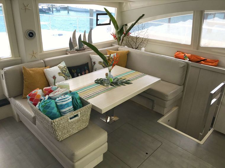 SOMEWHERE HOT Yacht Charter - Confortable interior dining