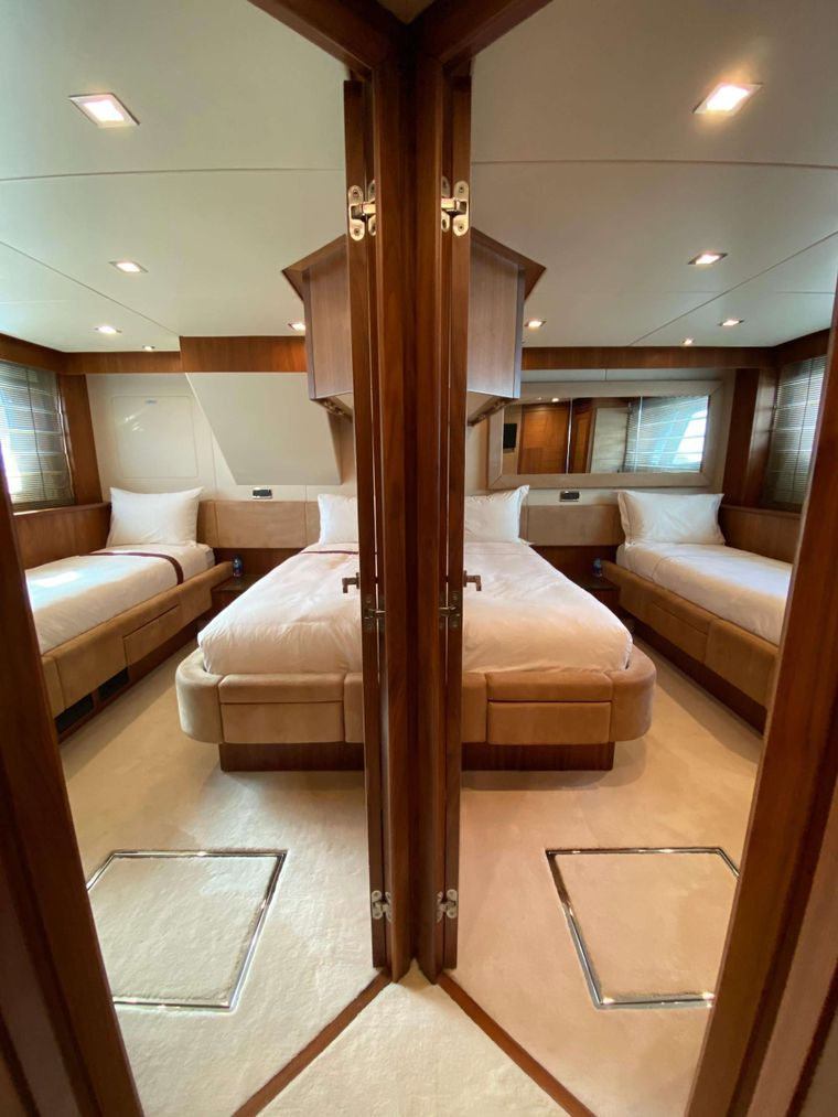 SPLASHED OUT Yacht Charter - Twins