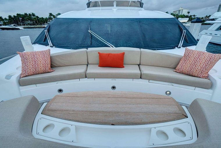 SPLASHED OUT Yacht Charter - Bow seating