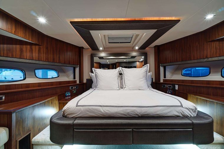 SPLASHED OUT Yacht Charter - VIP