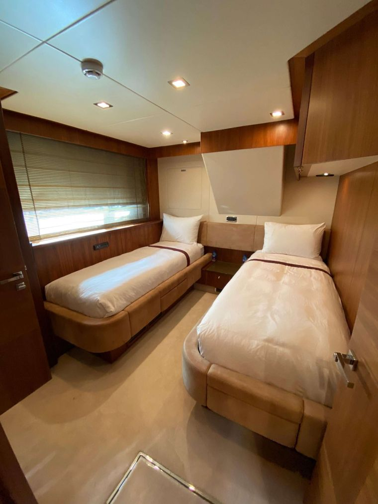SPLASHED OUT Yacht Charter - Twin