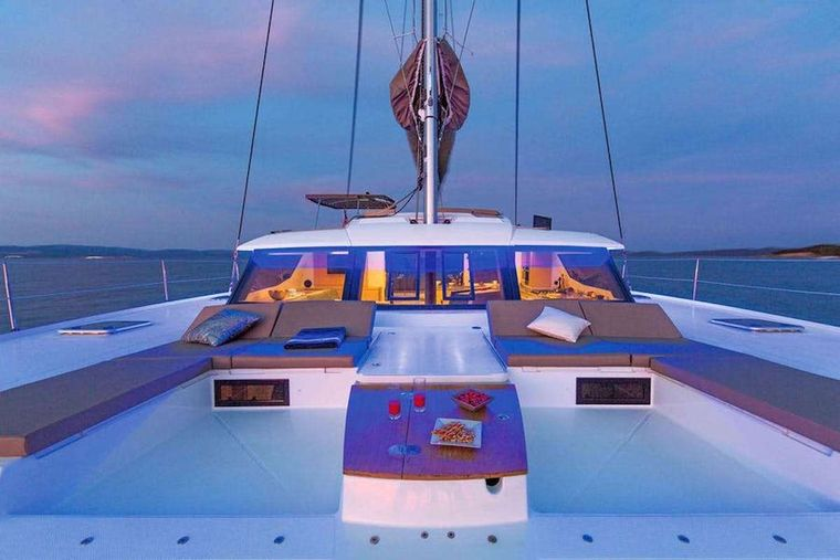 LIBRA 50 Yacht Charter - Foredeck