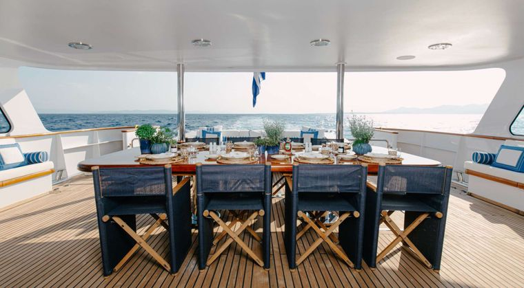 ITOTO Yacht Charter - Aft Deck