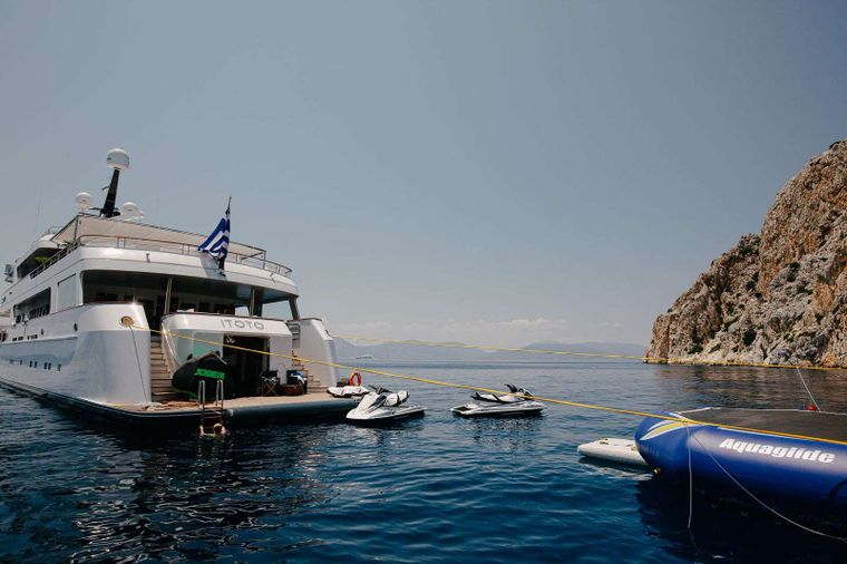 ITOTO Yacht Charter - Toys