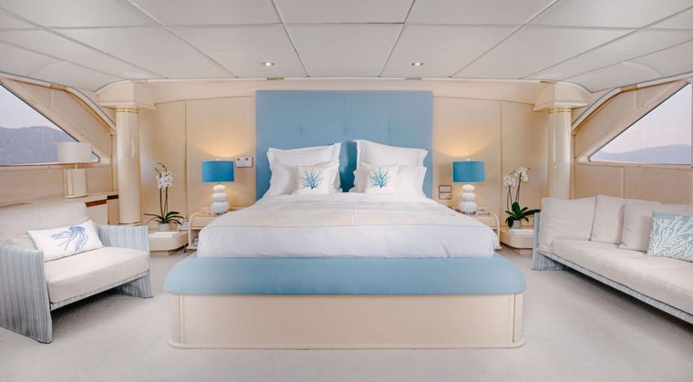 ITOTO Yacht Charter - Master Cabin