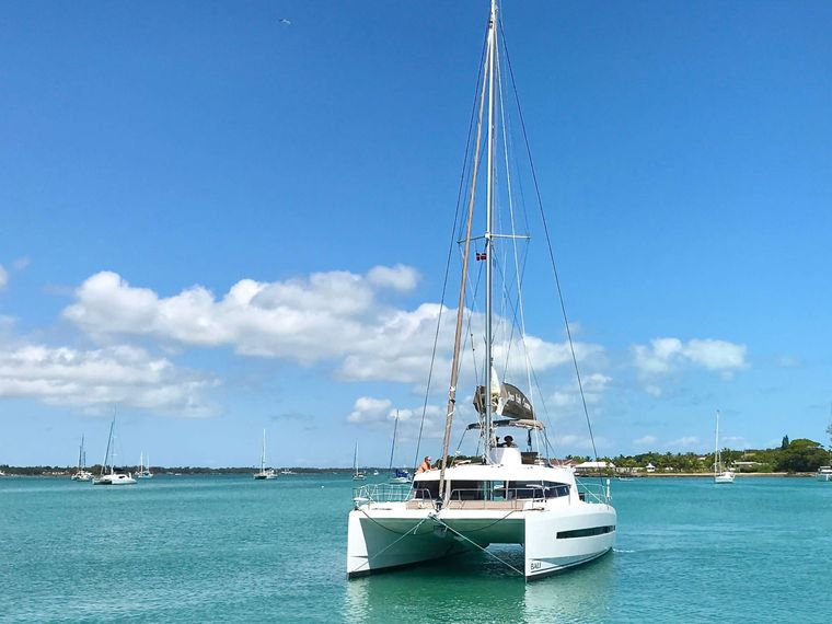 FREESTYLE Yacht Charter - Ritzy Charters