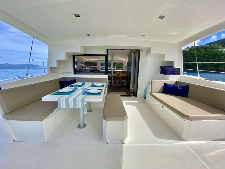 FREESTYLE Yacht Charter - Cockpit