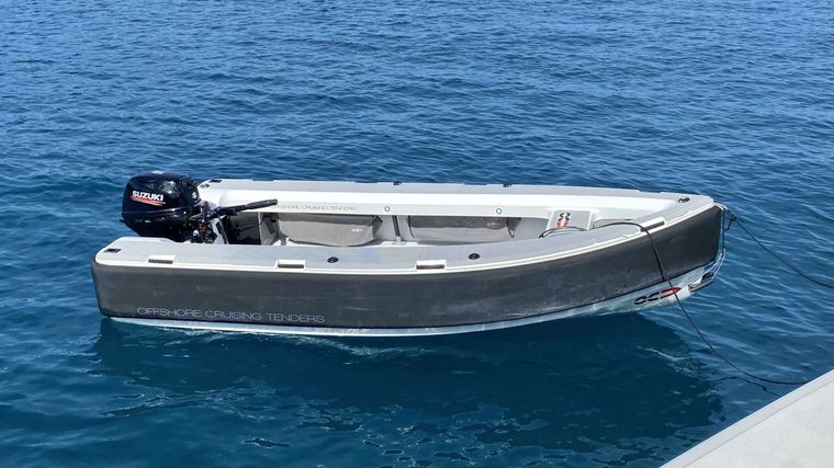 FREESTYLE Yacht Charter - Dinghy