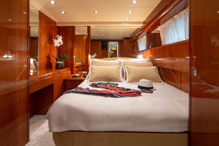EFMARIA Yacht Charter - Double Cabin
