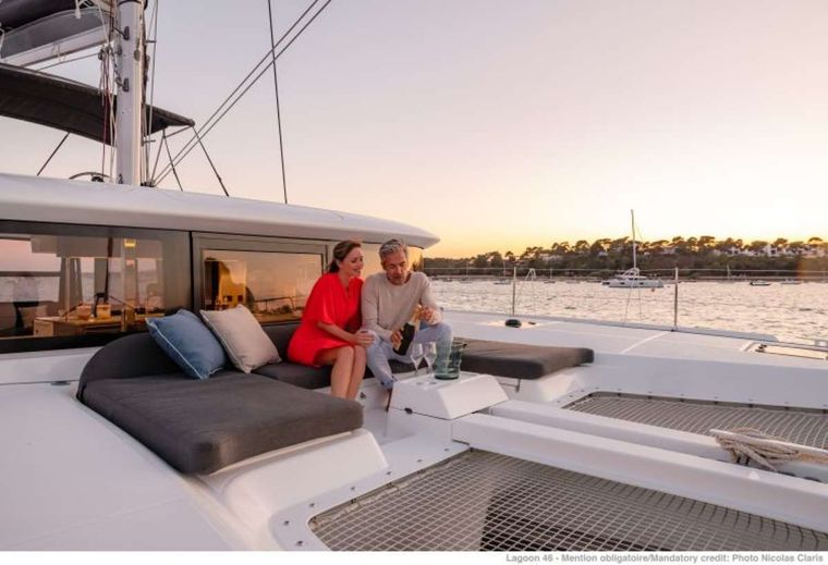 KING VIVI Yacht Charter - Front deck and cushion