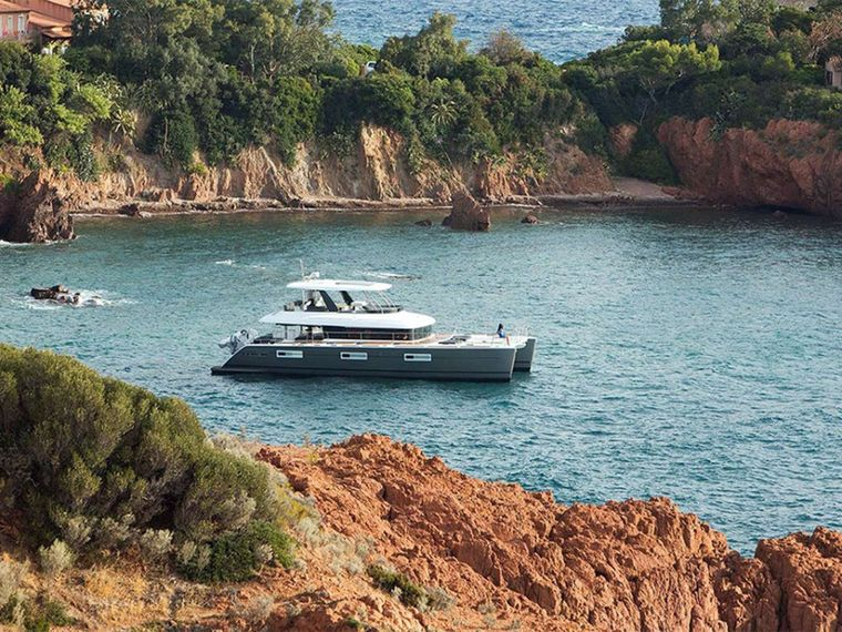 COLETTE Yacht Charter - Twin cabin can be either guests or twin