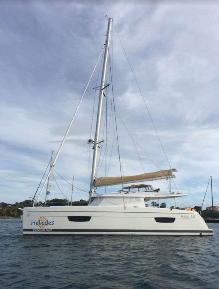 Heliades Yacht Charter - Side view