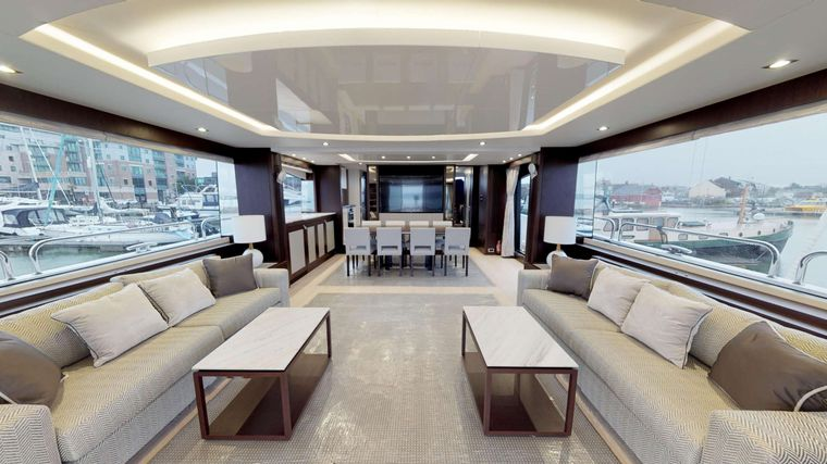 INSOMNIA Yacht Charter - Saloon/Dining
