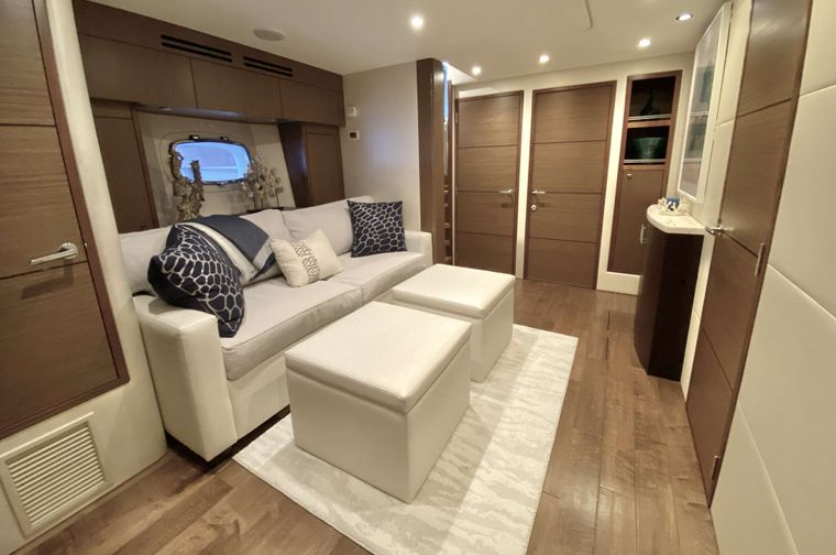 CHELSEA Yacht Charter - Lounge / Pull out sofa other view