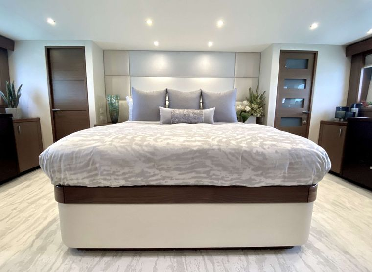 CHELSEA Yacht Charter - Master Stateroom