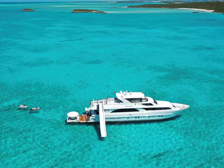 LIMITLESS Yacht Charter - Ritzy Charters